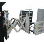 Pinces de carton avec déplacement latéral