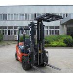 Stabilisateurs de charge pour accessoires de chariot élévateur hydraulique